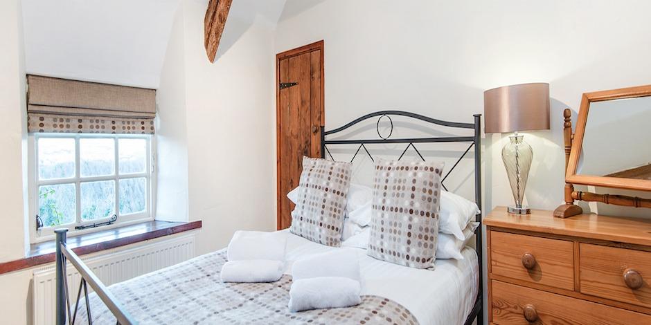 bramble-double-bedroom