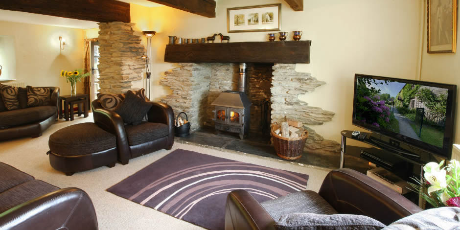 Farmhouse sitting room with full Sky package