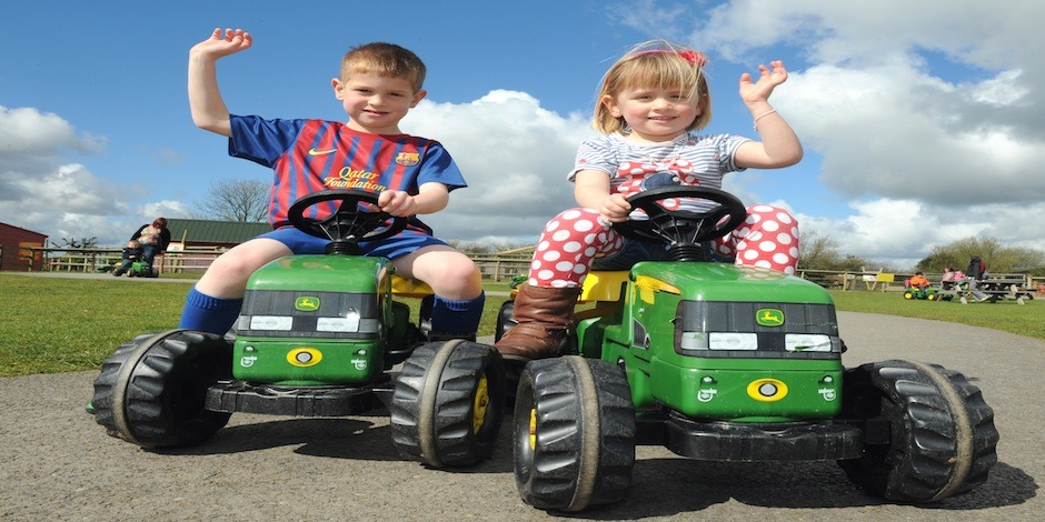 Folly Farm – Best Family Day Out in Wales – great fun for all the family both indoor and outdoor
