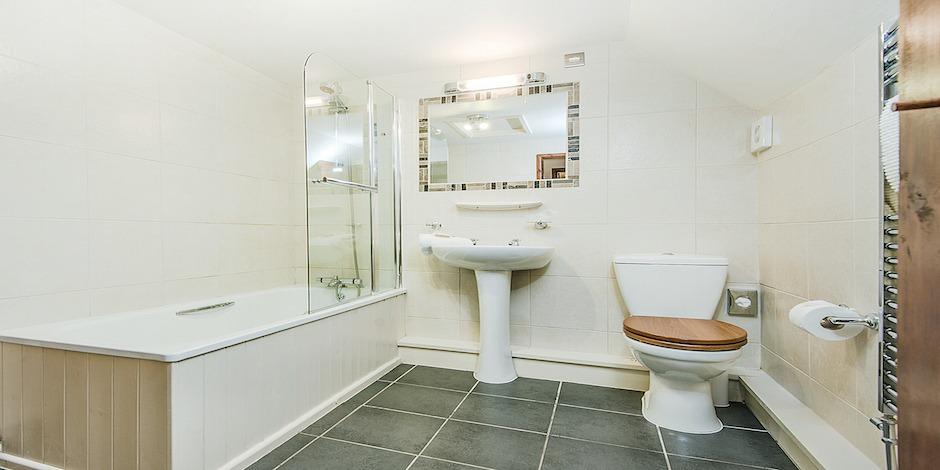 Snowdrop bathroom